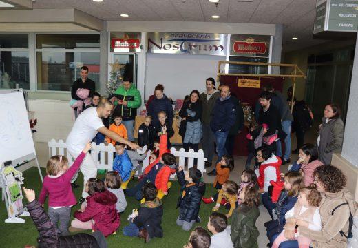 Gran éxito de participación na II Feira Labrega de Brión, que reuniu unha vintena de postos no centro comercial Monte Balado