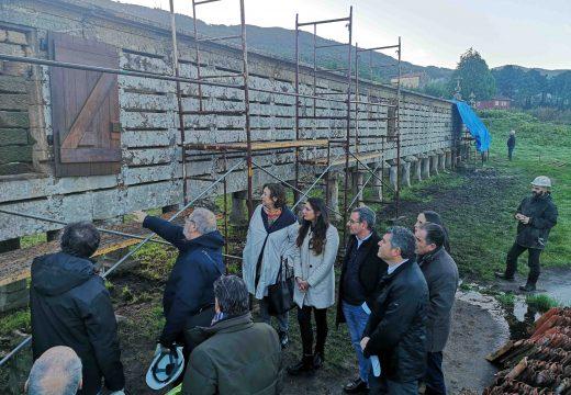 A consellería de Cultura inviste máis de 33.000 euros para levar a cabo a renovación e mellora do hórreo de Carnota