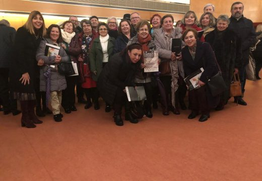 Alumnado riveirense do IV Ciclo da USD acude a un acto académico a Santiago