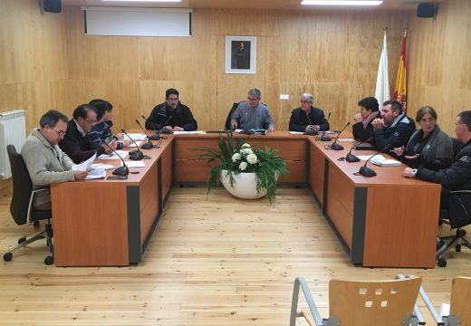 O último pleno ordinario do ano en San Sadurniño aproba a modificación do Plan Económico e Financieiro