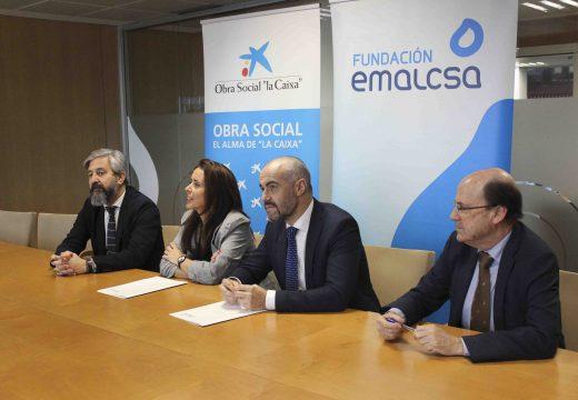 """Benestar Social asina un convenio de colaboración con CaixaBank para o programa de emerxencia social """"A flote"""""""