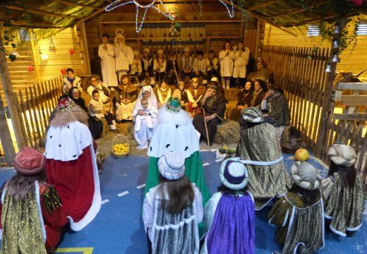 O Concello de Brión celebra este domingo un Festival de Reis con Belén Vivente no polideportivo municipal de Pedrouzos
