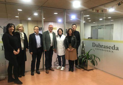 O director xeral de Agader e o alcalde de Noia visitan o obradoiro de panificación Dubraseda, que recibiu 200.000 euros da medida Leader