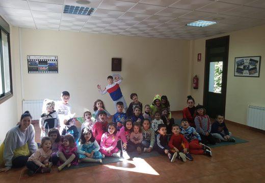 Trinta nenos e nenas participan nos Campamentos de Entroido gratuítos organizados polo Concello de Frades