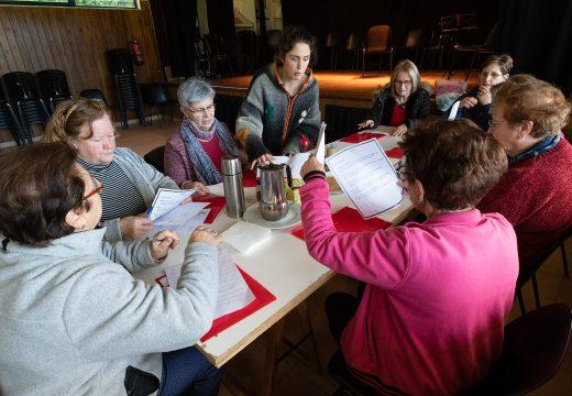 Comezan en San Sadurniño os obradoiros de memoria activa para persoas maiores