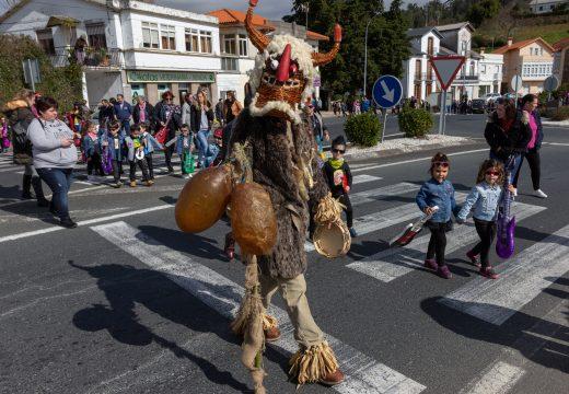 San Sadurniño celebra na tarde do sábado o seu Entroido familiar con saída ás 17.00h. dos xardíns municipais