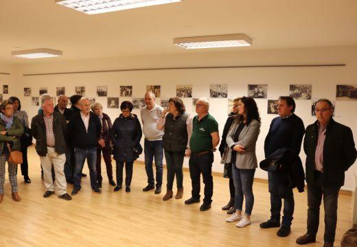 """O Concello de Lousame editará un libro coas fotografías antigas recollidas na exposición """"Lousame en fotos"""" e con novas achegas"""