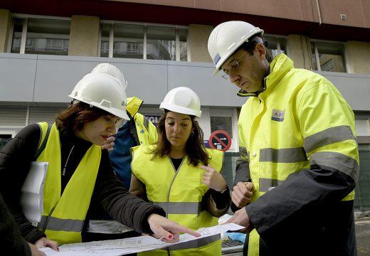 Inés Rey visita as obras de demolición do viaduto, que avanzan a bo ritmo e segundo os prazos marcados