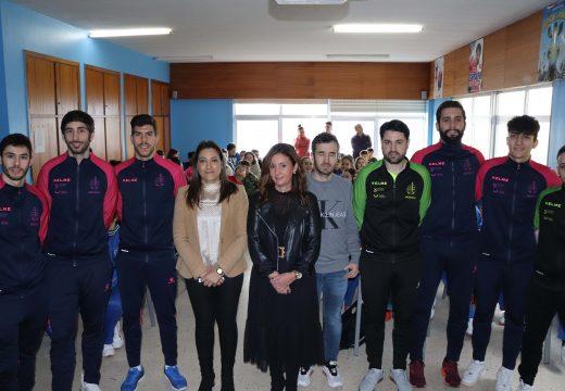 O Noia Portus Apostoli pon en marcha unha campaña para achegar os valores do deporte a máis de 3.000 nenos/as da contorna de Noia