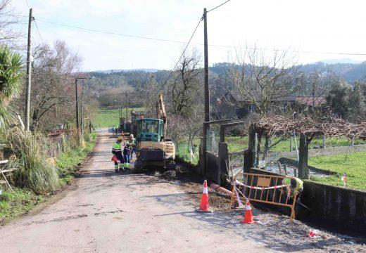 O Concello de Lousame inviste 70.000 euros nas obras de pavimentación do viario que une Servia coa estrada Padrón-Portobravo