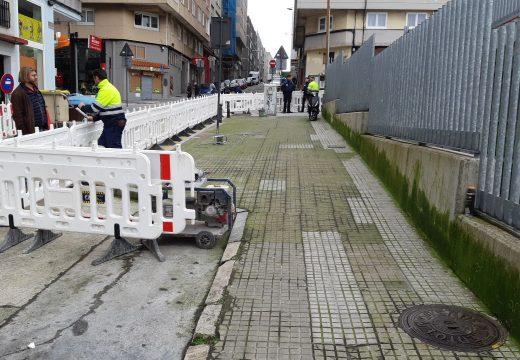 O concello mellora a accesibilidade e a contorna do CEIP Raquel Camacho