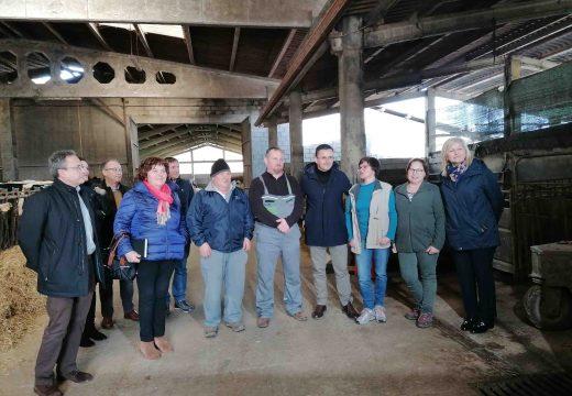 O conselleiro de Medio Rural visita o miradoiro da Muralla en Lousame