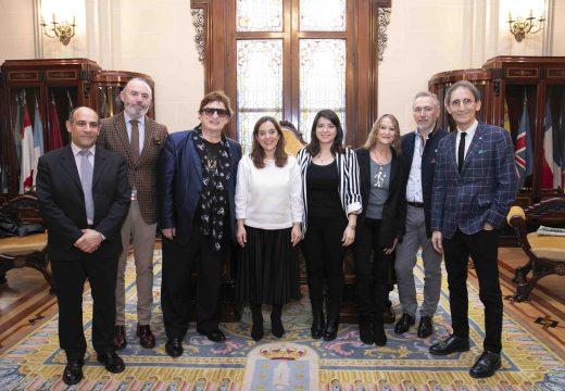 A irmá de John Lennon presenta hoxe no Colón o videoclip que protagoniza sobre o Camiño Inglés
