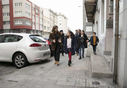 A alcaldesa analiza a mobilidade en Monte Alto con veciños e veciñas da zona