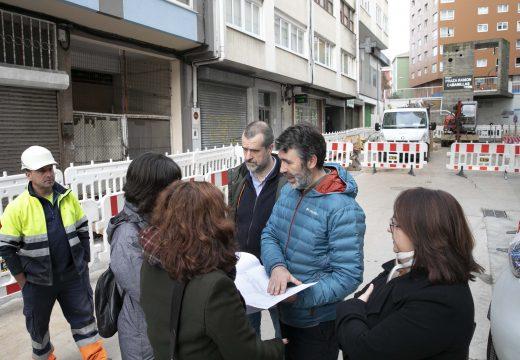 O corredor peonil avanza coa peonalización da rúa Ramón Cabanillas