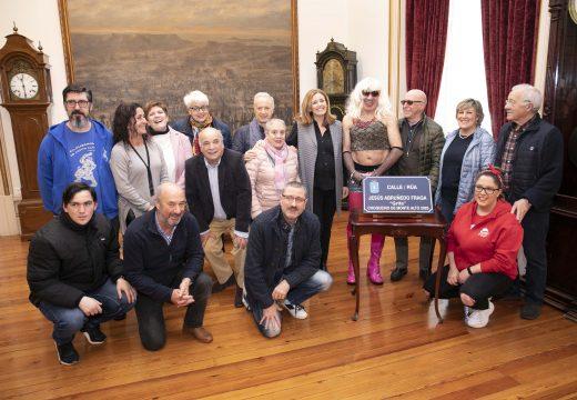 """""""Grifa"""" aumenta a familia choqueira da rúa San Xosé"""