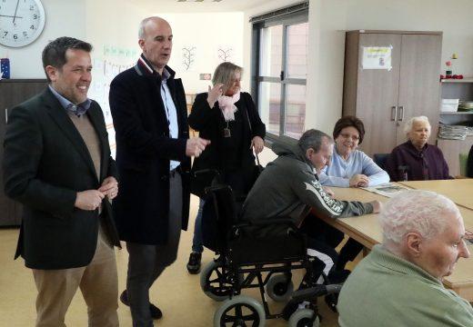 O xerente do Consocio visita a Escola Infantil e o Centro de Día de Curtis