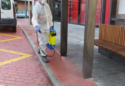 O Concello comezou esta semana cos labores de desinfección nos espazos públicos máis concorridos do municipio