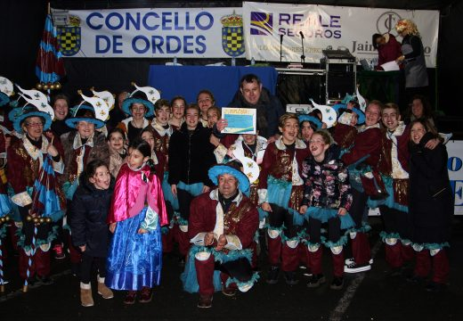 O Sábado de Piñata enche as rúas de Ordes de diversión co seu tradicional concurso de disfraces.