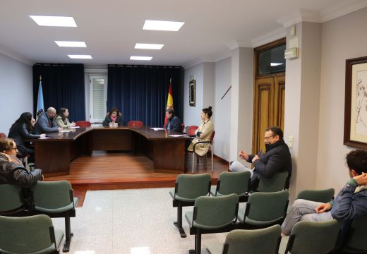 O Pleno de Lousame aproba por unanimidade a adxudicación do SAF dependencia á empresa Sanamede SL por case 450.000 euros