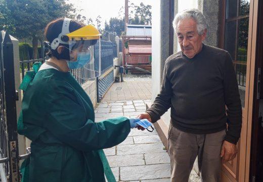 Moeche empeza a distribuír mascarillas lavables entre a veciñanza
