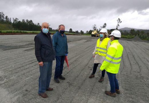 O proxecto de camiños secundarios de concentración en Foxás-Bendaña, cun investimento de 52.000 euros, estará rematado nas próximas semanas