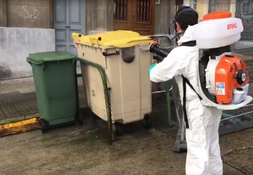 Medio Ambiente desinfecta máis de 800 contedores ao día para evitar a propagación do Covid-19