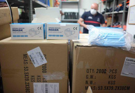 Chegan ao concello as 15.000 mascarillas doadas pola empresa local Frinsa