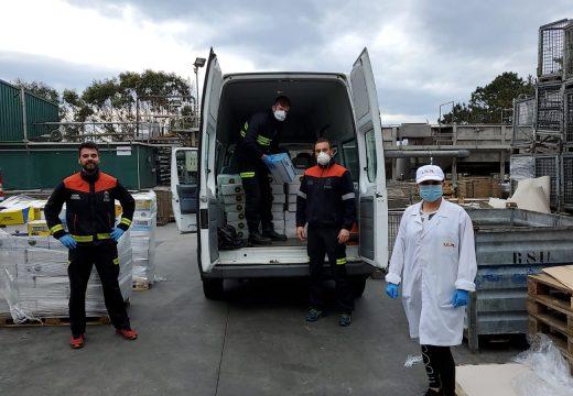 Repartido material e alimentos en Cáritas de Ribeira, Palmeira e Aguiño, en ICE Renovación, no Servizo de Axuda no Fogar e en Urbaser