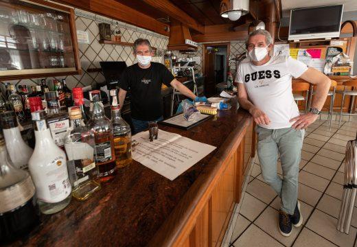 Os bares empezan a preparar a reapertura con incerteza sobre como aplicar as medidas preventivas