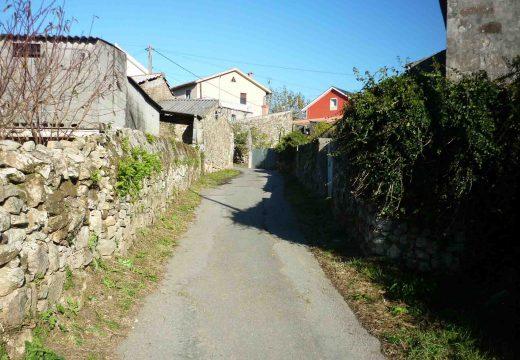 Adxudicadas provisionalmente as obras de pavimentación de dous camiños situados en Sancortes e no cemiterio de Oleiros