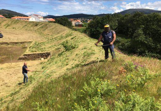 Vimianzo comeza as tarefas de limpeza e adecentamento do castro das Barreiras