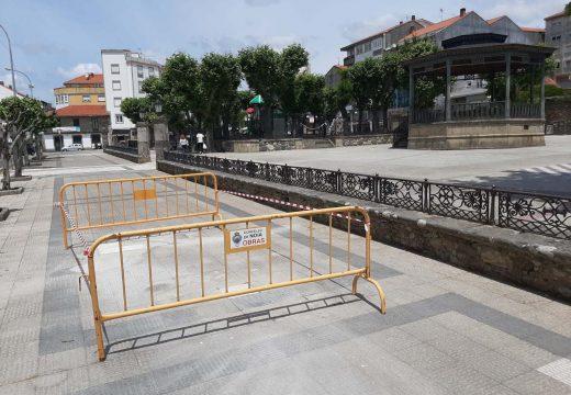 A brigada de obras de Noia acomete melloras nas beirarrúas da alameda e do casco histórico