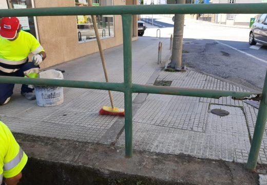 A brigada de obras municipal acomete melloras na seguridade do Campo de Noia