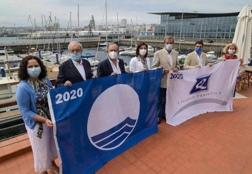 Ángeles Vázquez salienta que o distintivo Bandeira Azul é sinónimo de turismo seguro e de calidade