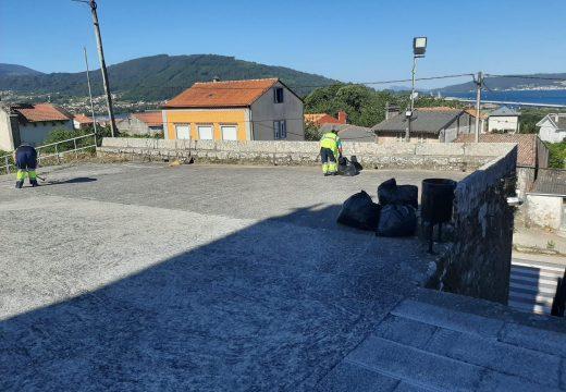 A brigada de obras do Concello de Noia realiza obras de limpeza e mellora de espazos públicos en Santa Cristina de Barro