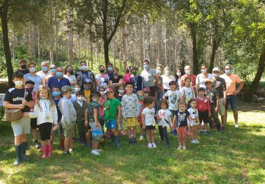 O XVII Campionato Municipal de Pesca Infantil do Concello de Frades congregou a 30 nenos e nenas