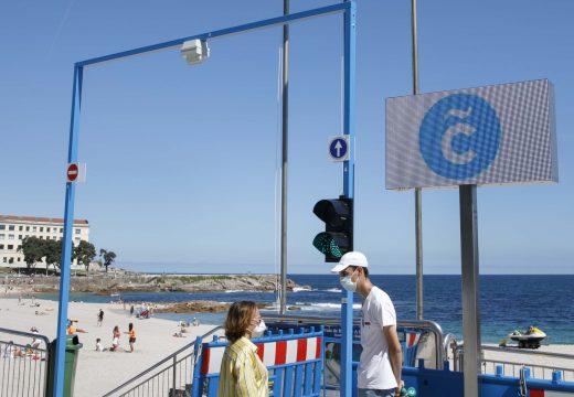 A primeira quenda dos guías informativos nas praias municipais remata mañá