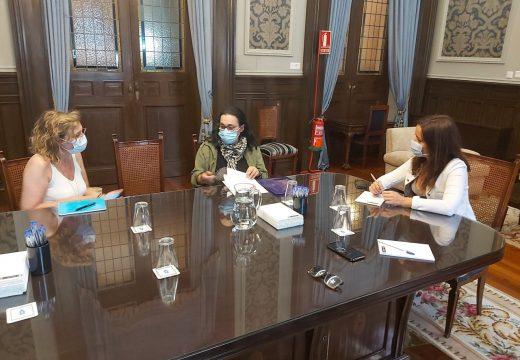 Yoya Neira conclúe a rolda de reunións cos sindicatos das empresas que xestionan o Servizo de Axuda a Domicilio