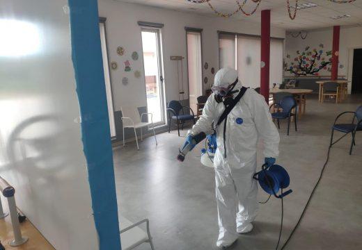 O centro de día de Lousame reabre as súas portas ao 50% da súa capacidade e tras unha profunda desinfección das súas instalacións