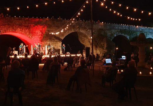 A Noite Velada congregou onte en Ponte Ledesma a 230 persoas que gozaron do concerto de A Banda da Loba