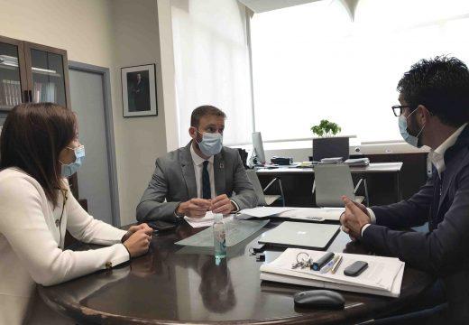 O delegado territorial da Xunta, Gonzalo Trenor, realiza unha visita institucional a Porto do Son