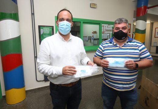 Reparto de mascaras sanitarias nos colexios do municipio
