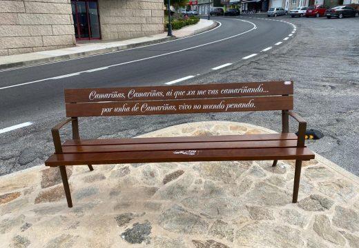 O Concello de Camariñas continúa cos traballos de personalización de mobiliario urbano
