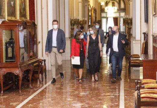 """Inés Rey reestrutura o goberno """"para sumar e unir na resposta á crise"""""""