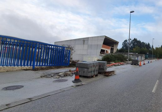O Concello de Boqueixón inicia as obras de renovación de beirarrúas interiores no polígono de Sergude