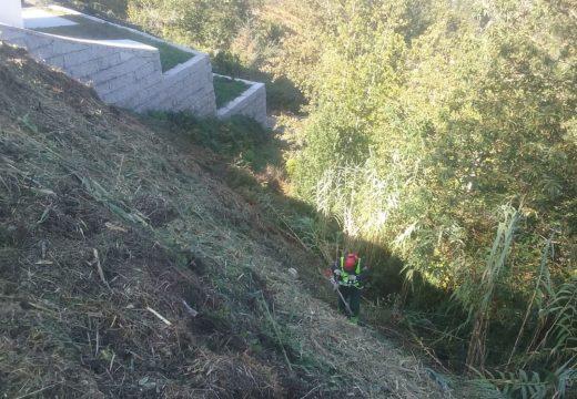 A Xunta inicia esta semana os traballos de roza e limpeza nas marxes da estrada AC-546 ao seu paso polo concello coruñés da Baña