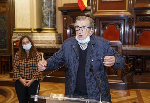 """Rey agradécelle ao xornalista Juan Guillín """"a paixón coa que contou a actualidade da Coruña"""""""
