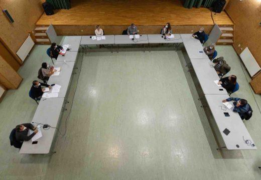 O pleno de San Sadurniño aproba incrementar o orzamento en 133.000 euros para obras e dálle o visto e prace definitivo á RPT