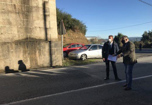 O delegado da Xunta e o alcalde de Cesuras coinciden na necesidade da eliminación da pendente do ferrocarril na AC-840 ao seu paso polo concello